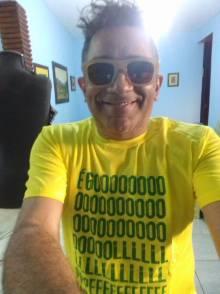 Camiseta Golpe no Brasil COMP Carlos C 01